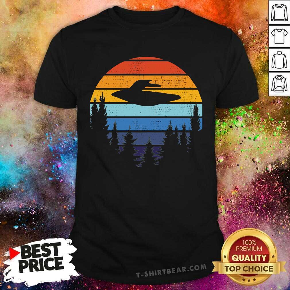 I Want To Believe Retro UFO Shirt - Design by T-shirtbear.com